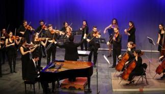 El concierto 'La historia de un soldado' se celebra en el Xesc Forteza