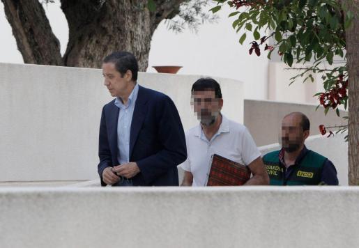 El expresidente de la Generalitat Valenciana y exministro de Trabajo, Eduardo Zaplana (i), en una imagen de archivo.