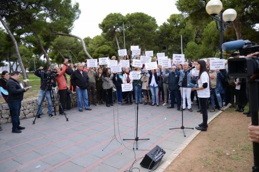 La madre de Malén Ortiz durante una concentración en recuerdo de la joven desaparecida.