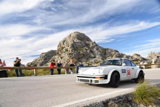 Imagen de archivo de uno de las etapas de la edición anterior de el Rally Clásico Mallorca.
