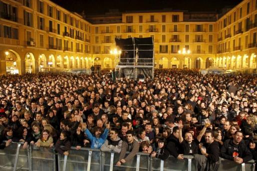 La Plaça Major, una de las más concurridas todos los años durante la Revetla.