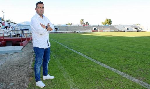 Imagen de Óscar Troya, entrenador del Poblense.