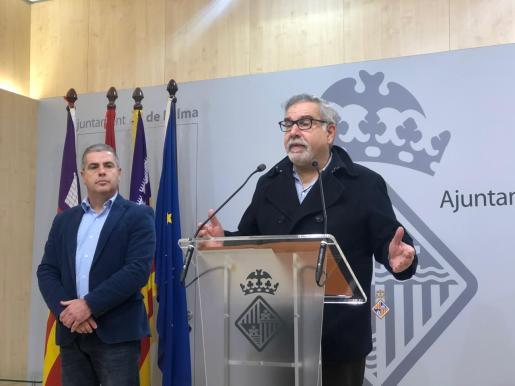 Josep Lluís Bauzá, portavoz de Ciudadanos, durante una rueda de prensa en Cort.