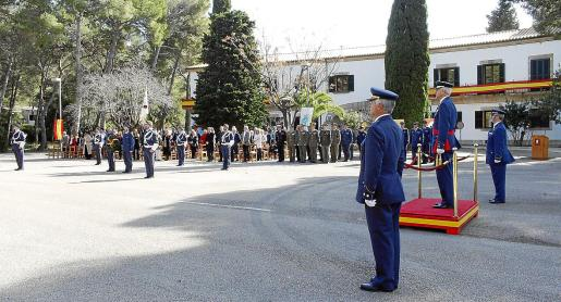 Pollença acogió este viernes el acto oficial de relevo al frente del aeródromo militar de Pollença.