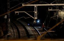 Personal de seguridad tras el accidente ferroviario