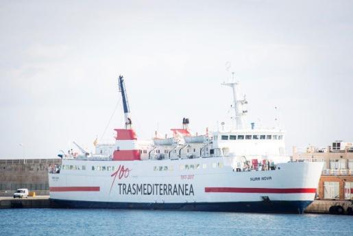 Uno de los barcos de la compañía Trasmediterránea.
