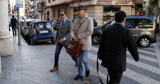 El juez Manuel Penalva y el fiscal Miguel Ángel Subirán han mantenido grandes polémicas con numerosos abogados de la causa, que les acusaban de llevar a cabo una instrucción «desastrosa» del 'caso Cursach'.