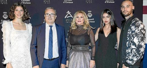 Marta Ortiz, Vicent Torres, Marta Díaz, Lucía Rivera y Krys Pasiecnzik.