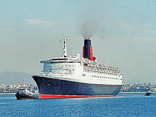 El 'Queen Elisabeth 2' en una de sus visitas a Palma.