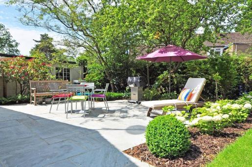 No había acuerdo sobre si el patio de una casa constituye parte de la morada o no.