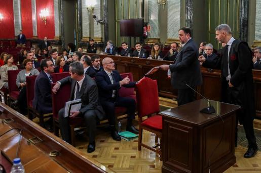Los doce líderes independentistas acusados por el proceso soberanista catalán que derivó en la celebración del 1-O y la declaración unilateral de independencia de Cataluña (DUI), en el banquillo del Tribunal Supremo.