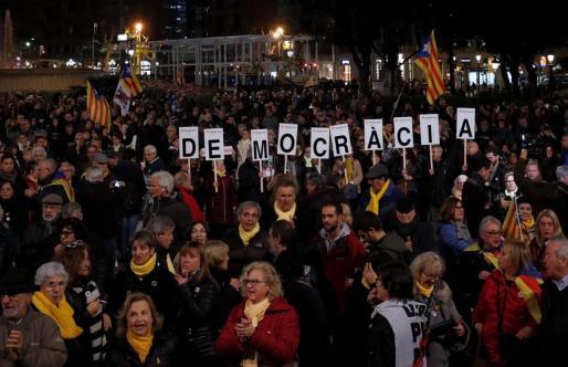 Concentración en Barcelona contra el juicio iniciado en el Tribunal Supremo.