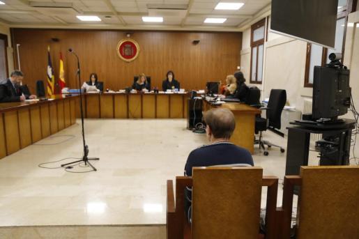 El acusado, durante el juicio que se ha celebrado en la Audiencia Provincial.