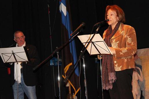 Maria Victòria Secall leyó varios poemas de Ballester, algunos de ellos inéditos.