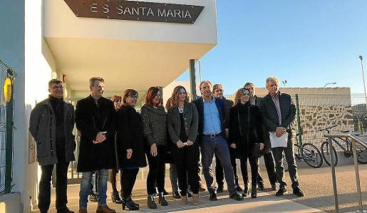 Las autoridades en la inauguración del IES Santa Maria.