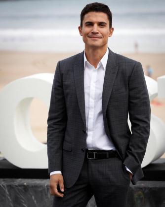 El actor Alex González durante la presentación de 'Vivir sin permiso', en la 66 edición del Festival de Cine de San Sebastián.