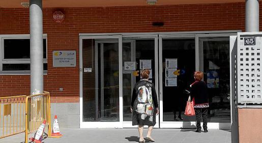 Uno de los inmuebles es el centro de salud de Son Pisà.