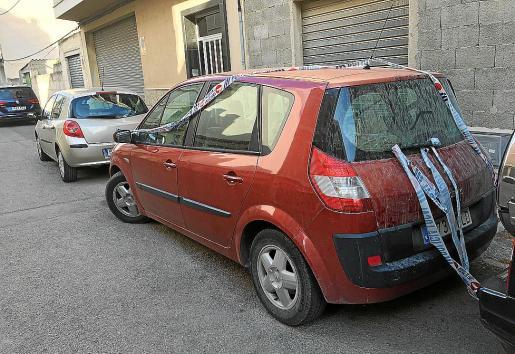 El hombre olvidó a su nieta en el interior del Renault Scenic, en Manacor.