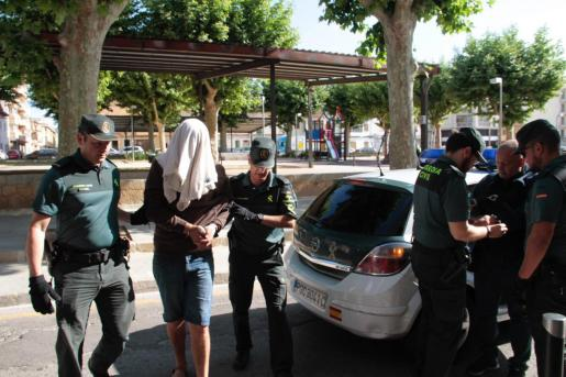 La Guardia Civil cree que el acusado robó dinero a su exsuegro tras el crimen.