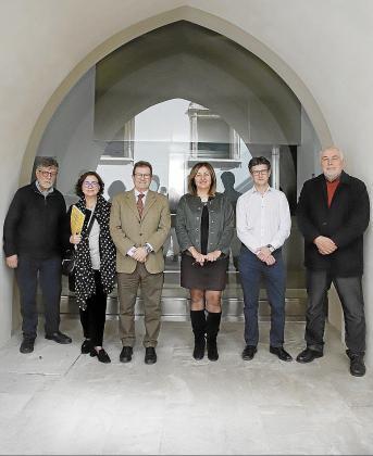 Joan March, Joana Mª Seguí, Llorenç Huguet, Fanny Tur, Joan Frau y José Aurelio Castro,  este lunes en Ca n'Oleo para la firma del protocolo de creación del museo.