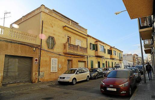Vista general de la calle Savina de Palma, donde se encuentra el prostíbulo.