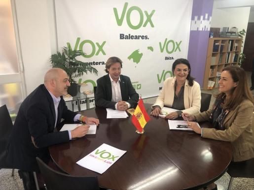 Jerónima Rattiter se ha reunido con los dirigentes de Vox en Baleares para incorporarse a su proyecto.