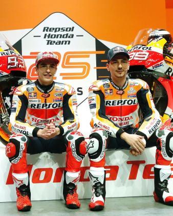 Marc Márquez y Jorge Lorenzo, en la presentación del equipo Repsol Honda.