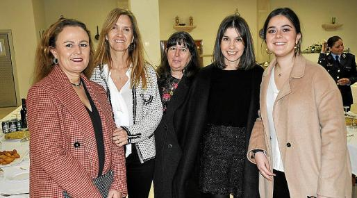 Conchi Pereira, Aurora Grau, Carmen Martínez, Sara González y Ángela González.