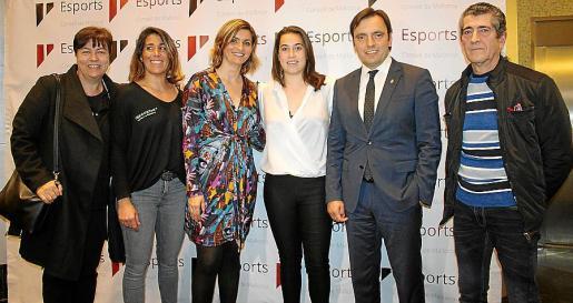 Susanna Moll, Laura Quetglas, Margalida Portells, Cata Coll, Francesc Miralles y Ramón Carmona.