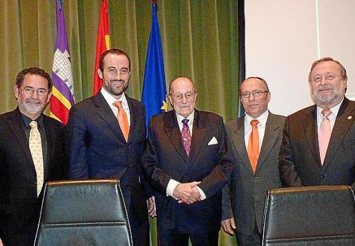 Eduardo Suárez del Real, José Luis Mateo, Josep Trinchant, Nico Nadal y Toni Gil.