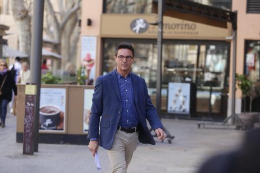 Javier Rodrigo de Santos, este martes a su llegada a la Audiencia de Palma.