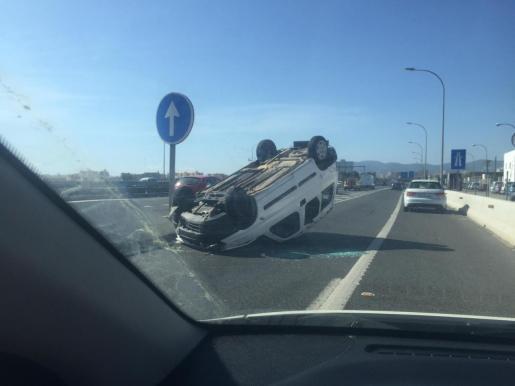 El accidente se ha producido en la incorporación a la autopista desde El Molinar.
