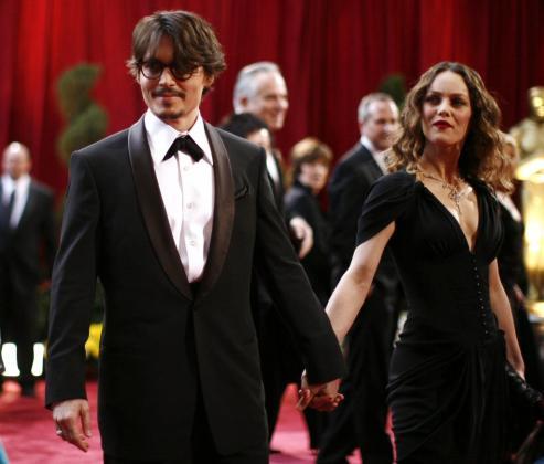 El actor estadounidense Johnny Depp, y su esposa, la cantante y actriz francesa Vanessa Paradis, en una imagen de archivo.