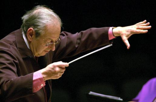 Fotografía de archivo del 2 de febrero de 2002, del compositor y director de orquesta André Previn.