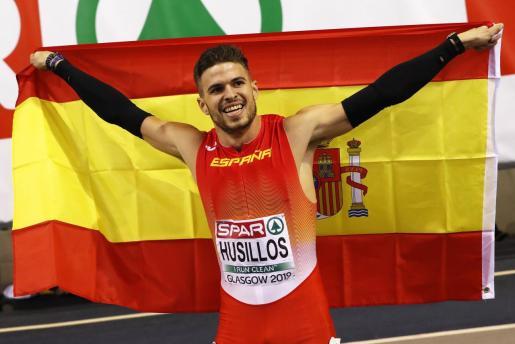 Óscar Husillos celebra su subcampeonato de Europa en 400 metros.