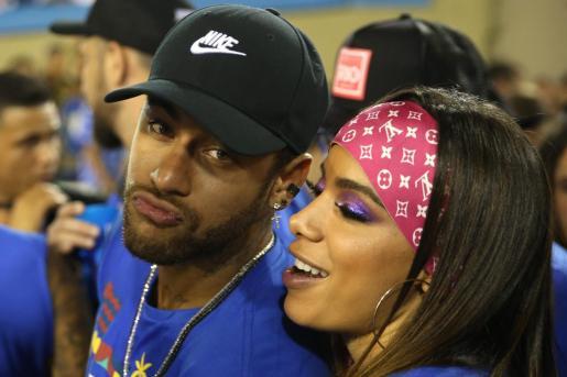 El futbolista brasileño Neymar y la cantante brasileña Anitta.