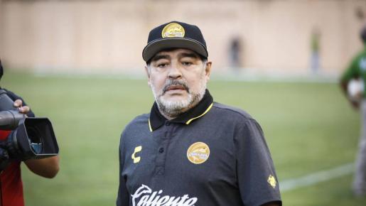 Imagen de archivo del exjugador de fútbol y actual entrenador Diego Armando Maradona.
