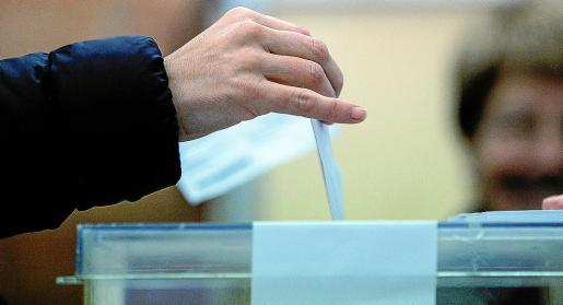 La convocatoria electoral adelantada al 28-A puede situar al PSOE como primera fuerza política tras los dos descalabros anteriores.