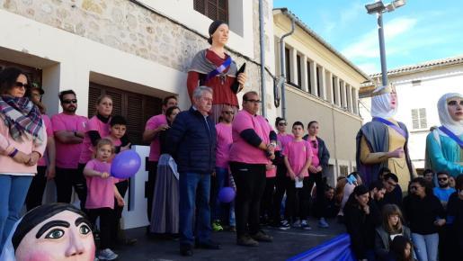 La 'Trobada de Gegantes' de Consell le ha rendido homenaje este domingo con un minuto de silencio.