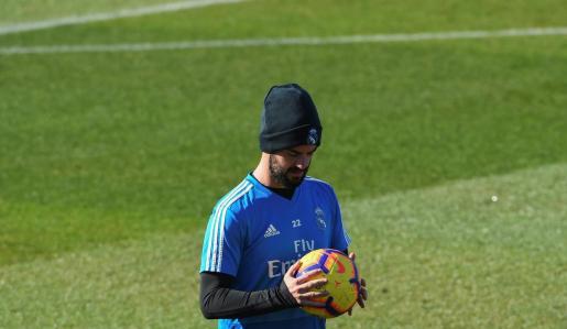 El centrocampista del Real Madrid Francisco Alarcón, Isco, durante un entrenamiento en la ciudad deportiva de Valdebebas.