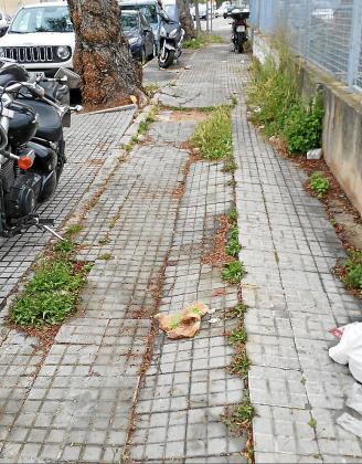 El mal estado de las aceras es uno de los motivos más habituales de denuncias ciudadanas y por las que el Consistorio pagó el año pasado 340.000 euros en indemnizaciones.