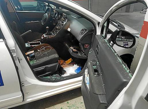 Uno de los taxis atacados esta semana.