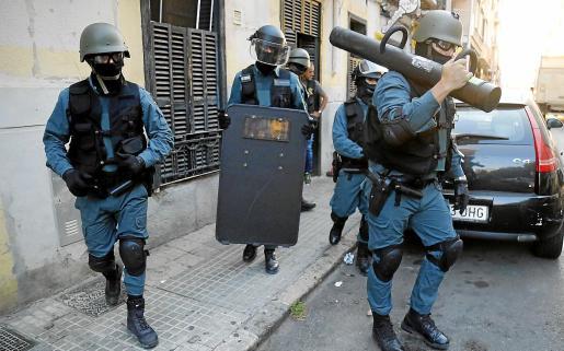 Un instante de la 'operación Titanum' de la Guardia Civil, el año pasado, en Palma.