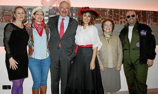 María García Caballero, Kimberley Marshall, Rafael Cortés, Vanessa Sánchez, Pilar Pérez, de Fundación Amaranta; y Tommy Ferragut.