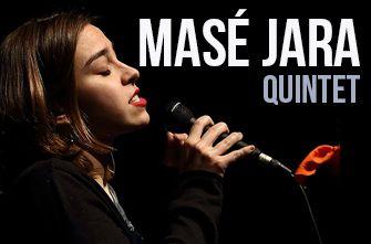 Masé Jara, además de vocalista del grupo, es compositora y pedagoga.
