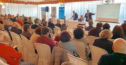 La Agrupación Empresarial de Autotaxi y Autoturismo celebró este miércoles su asamblea anual en Binicomprat.
