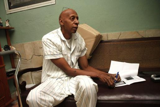 El disidente cubano Guillermo Fariñas lleva 14 días en huelga de hambre.