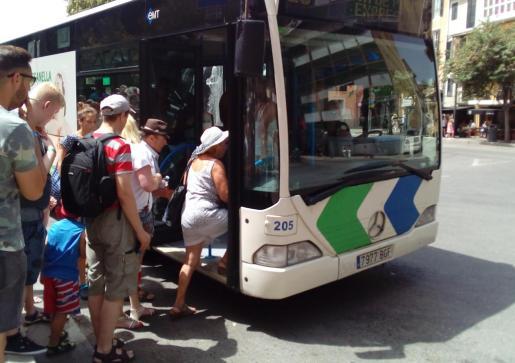 La empresa municipal de transportes asegura que se ha iniciado una investigación interna.
