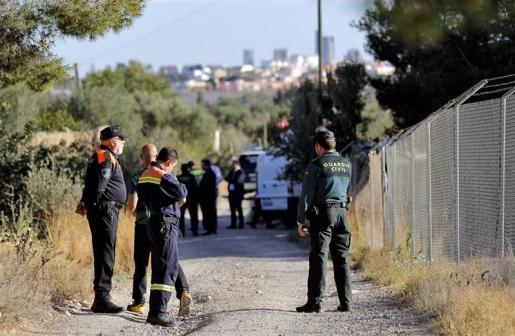 El operativo de búsqueda de los niños los busca también en varios pozos.