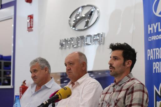 Joan Pastor, Manix Mandiola y Marcos Jiménez de la Espada, este viernes.
